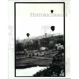 1987 Press Photo Hot Air Balloon Rally for the Farmer Relief Fund