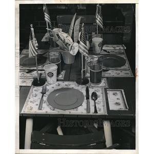 1943 Press Photo Patriotic Hostess Provides Receptacle for Waste Fat Needed