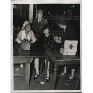 1929 Press Photo Mrs Don Steele,Mrs L Paul, Nurse C Hay of Red Cross - nee11093