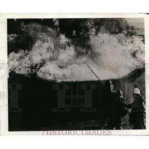 1944 Press Photo Coast Guard fire fighting school Government Island Almeda Calif