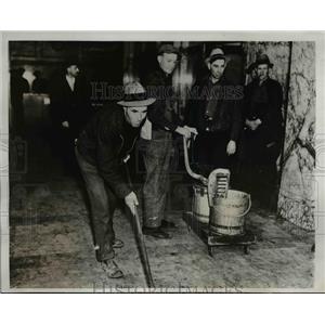 1938 Press Photo Unemployed Strike at Seattle Washington City-County Building
