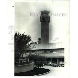 1988 Press Photo New Air Traffic Control Tower at Hopkins airport