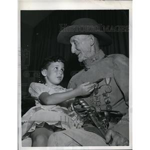 1959 Press Photo Harrison Holbrook Veteran Spanish American War & Marianne Ward
