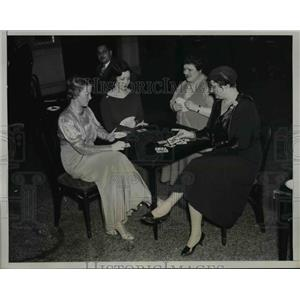 1934 Press Photo Mrs. Gail Hamilton, Mrs. Anne Rosenfeld, Mrs. Albert Rockwell,