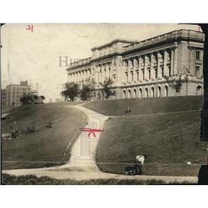 1913 Press Photo New Courthouse and Setting - cva82547