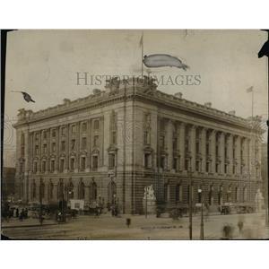 1915 Press Photo Old Building - cva89937
