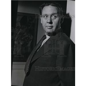 1941 Press Photo Charles Laughton in Three Ring Time