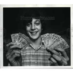 1977 Press Photo Bob Meier Sells Blazer Tickets through College - ora64415