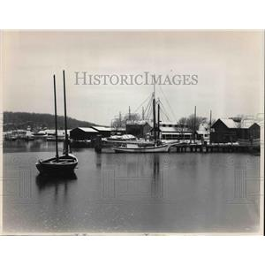 1988 Press Photo The Connecticut Seaport snow blankets the waterfront