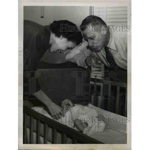 1949 Press Photo Ezio Pinza now a Grandfather - ned90185