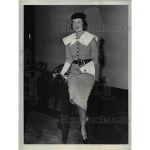 1937 Press Photo Mrs. Henry Cabot Lodge Jr considered one of the best dressed