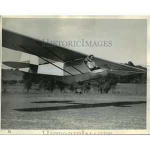 """1939 Press Photo The pilot has the """"stick"""" back between his knees - mja03303"""