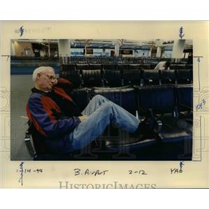 1998 Press Photo An old man in Portland International Airport - orb36521