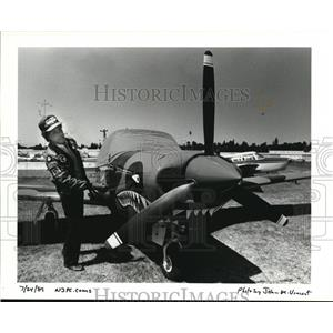 1989 Press Photo George Greene Of Portland Has His Piper Comanche Painted
