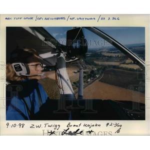 1998 Press Photo Shirley Twigg Pilot Plane - ora91592