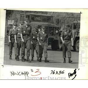 1985 Press Photo Civil Air Patrol Pathfinder Cadets preparing for drill.