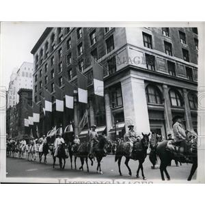 1959 Press Photo New York Rodeo participants parade down Fifth Avenue NYC