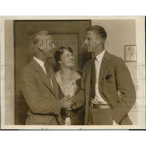 1927 Press Photo Brothers Finish Around The Globe Race To Meet Mother