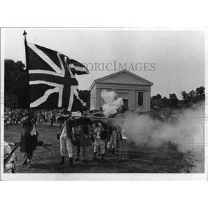 1971 Press Photo Jonathan Hale Homestead, mock revolutionary War Battle