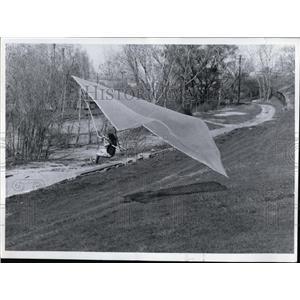 1972 Press Photo Kite plane-Charles Slusarczyk - cvo02135