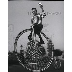 1976 Press Photo Bicycling - spa31151