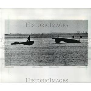 1984 Press Photo Paul Walter's 1954 Cessna 195 plane crashed into Tampa Bay