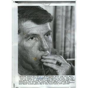 1965 Press Photo Walter Schirra Officer Navy Mercury