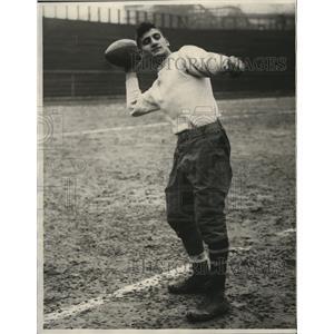 1928 Press Photo johnny Gravino, Winner of drop kicking contest for distance