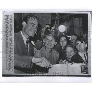 1964 Press Photo Barry Clinton WindhamChampionship Wres