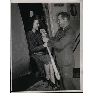 1937 Press Photo Helen Hawkins United stewardess & Rupert Thompson of Padres