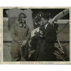 1929 Press Photo Lieutenant Wilfred G. moore, Isaiah Daves After Altitude Flight