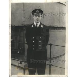 1923 Press Photo Geogre Prince Officier Uniform Stand