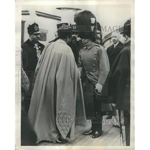 1928 Press Photo Prince Wales Greeting King Amannullah