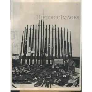 1940 Press Photo FBI Seized Firearms Christian Front - RRR67679