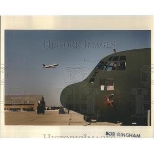 1993 Press Photo O'Hare Airport Cargo Military Side