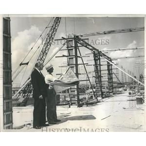 1960 Press Photo Construction O'Hare Mgr Ralph Heinz