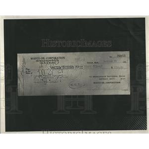 1932 Press Photo Edward Schlee Banquet Payment Check