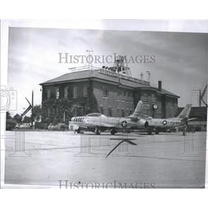 1951 Press Photo Picture Helicopter Landed Michigan