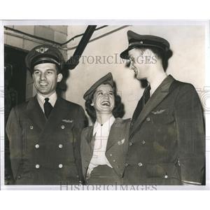 1942 Press Photo A.R.Ricks Louise Taylor Capt.Ralph