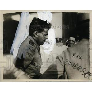 1929 Press Photo A. G. Jones-Williams after non-stop flight from London to India