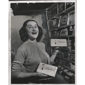 1956 Press Photo Mrs Alberta Muirhead of Dearborn Toys Says Games are Big Seller