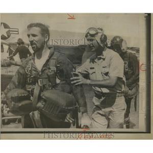 1965 Press Photo Navy Airmen Plucked from Sea