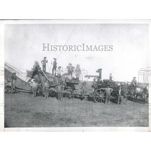1965 Press Photo Farmers in Stafford County, Kansas