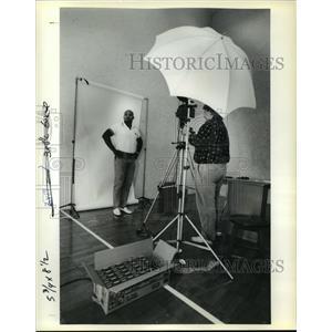 1989 Press Photo New Orleans Saints, Bufor Jordan Poses for his Passport Photo