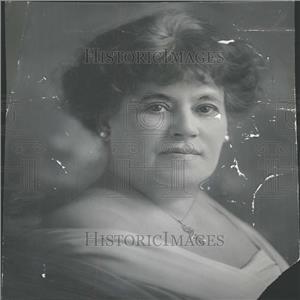 1918 Press Photo Mrs Emma Marker Music Dance Red Star