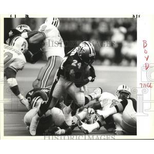 1993 Press Photo New Orleans Saints Player Runs With Football - noa01031