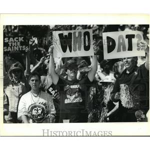 1992 Press Photo New Orleans Saints- Fans enjoying the game. - noa02695