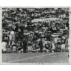 1968 Press Photo New Orleans Saints- Ernie Kellerman (l) Bob Matheson go flying.