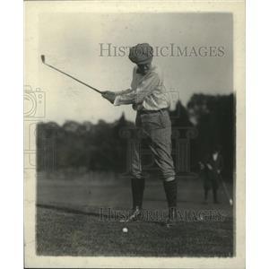 1919 Press Photo Golfer Speaker Gillette on a golf course - net32209