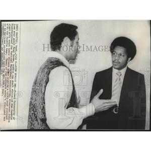 1971 Press Photo Seattle Supersonics basketball's , Fred Brown and Coach Wilkens